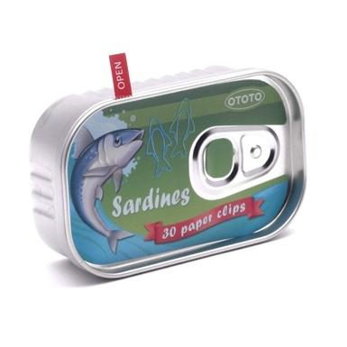 Paper Clip Sardine Tin - with 30 fish-shaped clips. V Museum shop. I especially like the printed ring pull, this would work will on my play sardine tin.