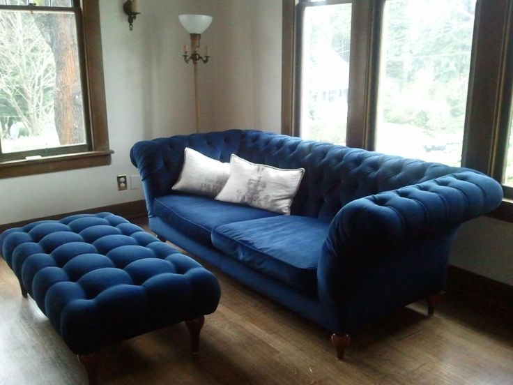 Velvet Blue Tufted Chesterfield Couch Plus Ottoman And Floor Lamp For Living  Room Decoration Ideas