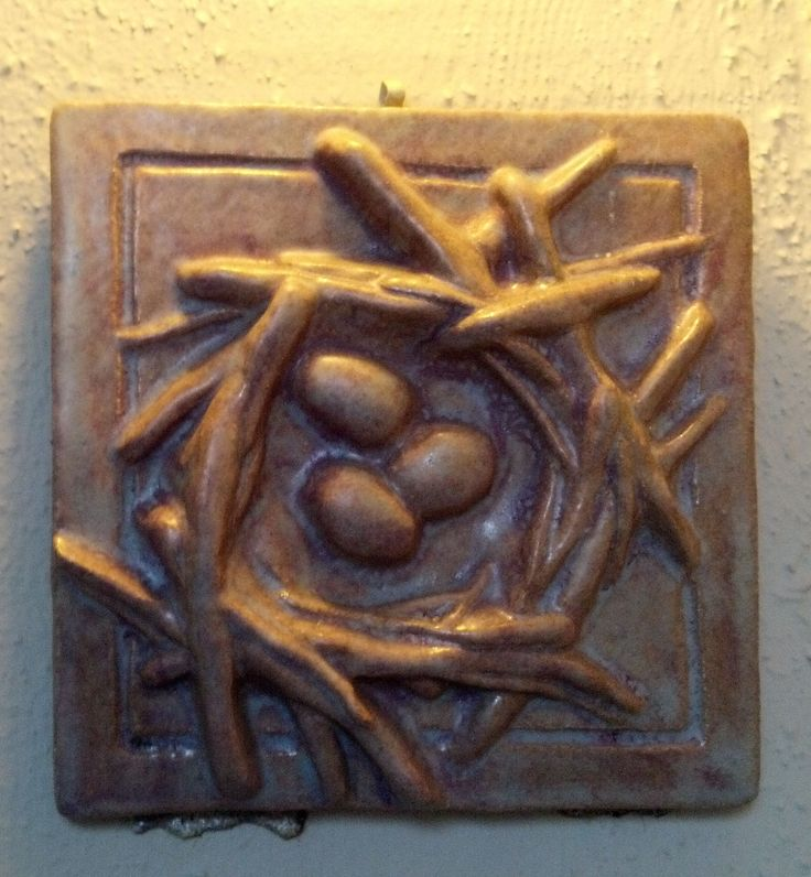 Arts and Crafts style tile - bird's nest