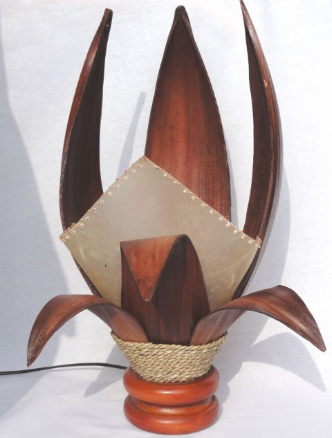 Lampa ozdobna z naturalnego bananowca brązowa