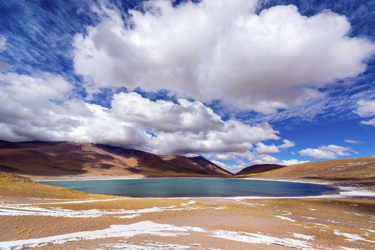 """Desierto de Atacama, Chile.  """"Recorrer el desierto más árido del mundo!!"""". Comparte tus sueños viajeros en www.faro.travel"""