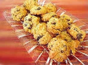 A really simple oatmeal cookie recipe that even the kids can make http://www.quick-german-recipes.com/simple-oatmeal-cookie-recipe.html