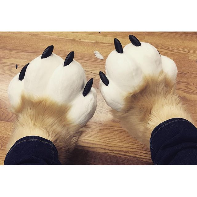 17 best ideas about furry costumes on pinterest fursuit tutorial fursuit and hobbit feet. Black Bedroom Furniture Sets. Home Design Ideas