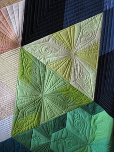 WOW, this quilting is stunning!