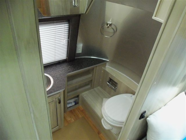 Airstream For Sale Bc >> 107 best Airstream Bathrooms images on Pinterest   Vintage airstream, Airstream bathroom and Campers