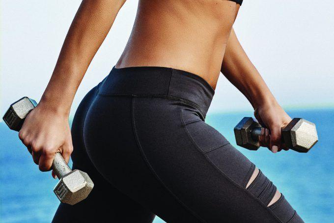 8 exercícios para deixar o bumbum durinho e evitar dor nas costas