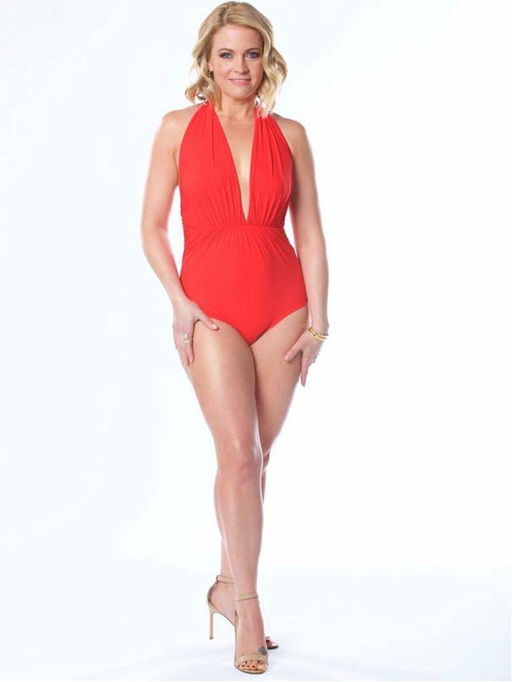 Melissa-Joan-Hart-Feet-2180436.jpg (1079×1438)