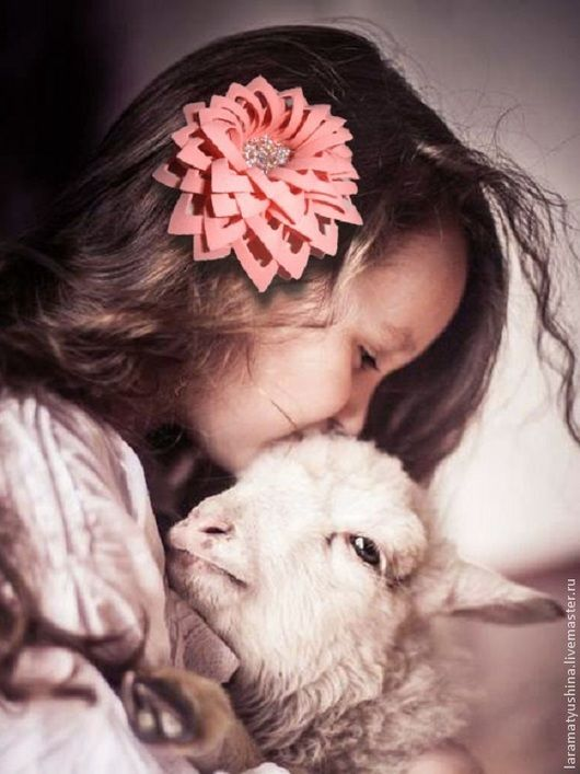 Брошь  из фоамирана `Персиковая астра`, Lara&Ko, в наличии,  из фома, из фоама, фом Эва, ревелюр, искусственная замша, брошь бутоньерка, брошь цветы, цветы в украшениях, подарок, купить подарок, подарок для женщин, подарок для девушки
