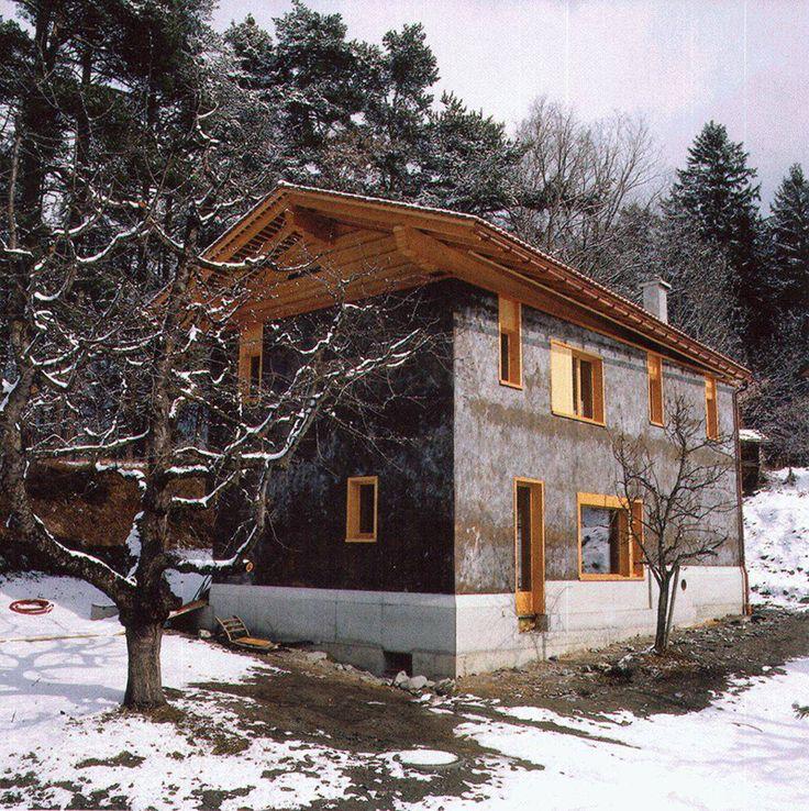 Gion A. Caminada - Beckel Kübler house, Fürstenaubruck 2005. Via, 2 photos © Lucia Degonda.