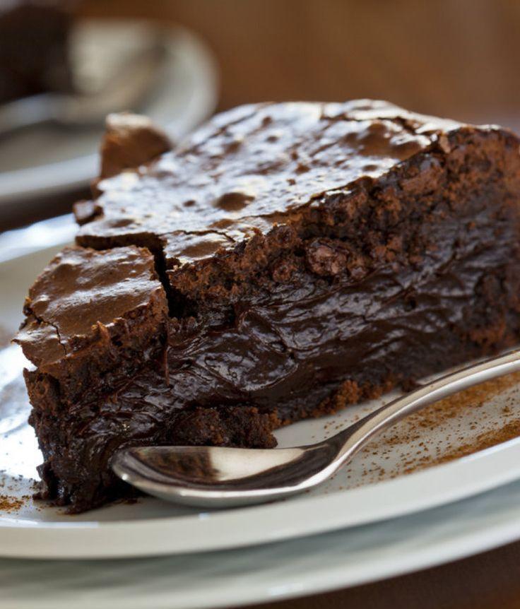 Ooey Gooey Chocolate Cake