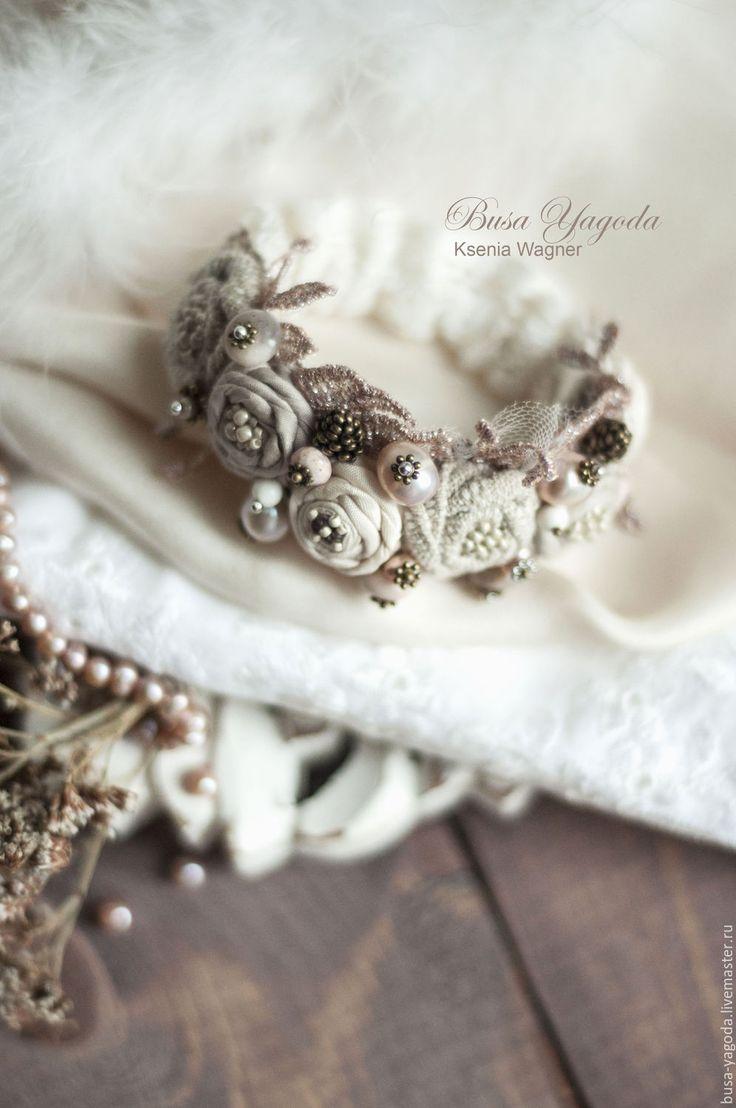 """Купить Браслет ручной работы """"Зимний вальс"""" - бледно-розовый, нежный браслет, браслет с камнями"""