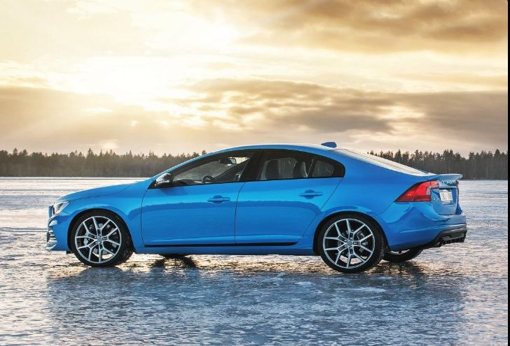 The 2018 Volvo S60offers outstanding style and technology both inside and out. See interior & exterior photos. 2018 Volvo S60New features complemented by a lower starting price and streamlined packages.The mid-size 2018 Volvo S60offers a complete lineup with a wide variety of finishes and features, two conventional engines.