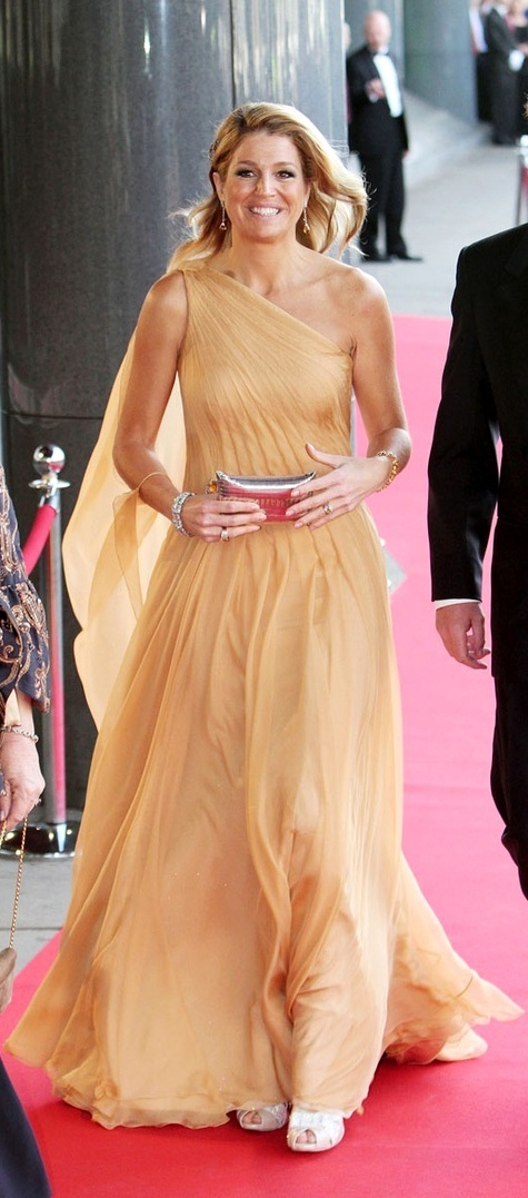 Chiffon flying.. Princess Maxima of the Netherlands in Jan Taminiau