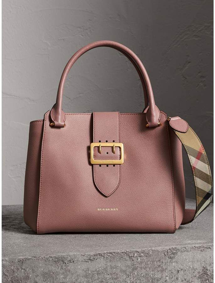 da7e7ee73b6 Burberry The Medium Buckle Tote in Grainy Leather   Abayas ...