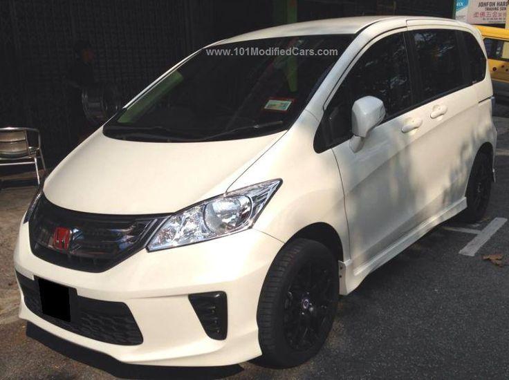 Modified Honda Freed (Mini MPV) white colour body with side body kit and black wheels (rims) http://www.101modifiedcars.com/2015/01/19/modified-honda-freed-mini-mpv/ #freed #hondafreed #minimpv