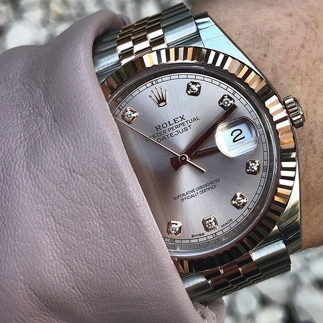 Dieses und weitere Luxusprodukte finden Sie auf der Webseite von Lusea.de  Dieses und weitere Luxusprodukte finden Sie auf der Webseite von Lusea.de  DATEJUST 41 with beautiful sundust dial Ref 126331 | http://ift.tt/2cBdL3X shares Rolex Watches collection #Get #men #rolex #watches #fashion