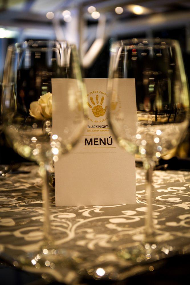 Cena y subasta silenciosa de Black Coffee Gallery, menús especiales. Dinner and silent auction of Black Coffee Gallery, special menus.