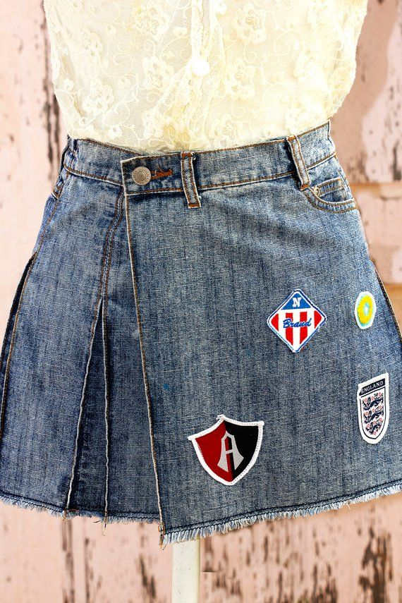 657080a37604 Gepatchte Jeans, Minirock, Upcycled Jeans, plissiert, Jeansrock ...