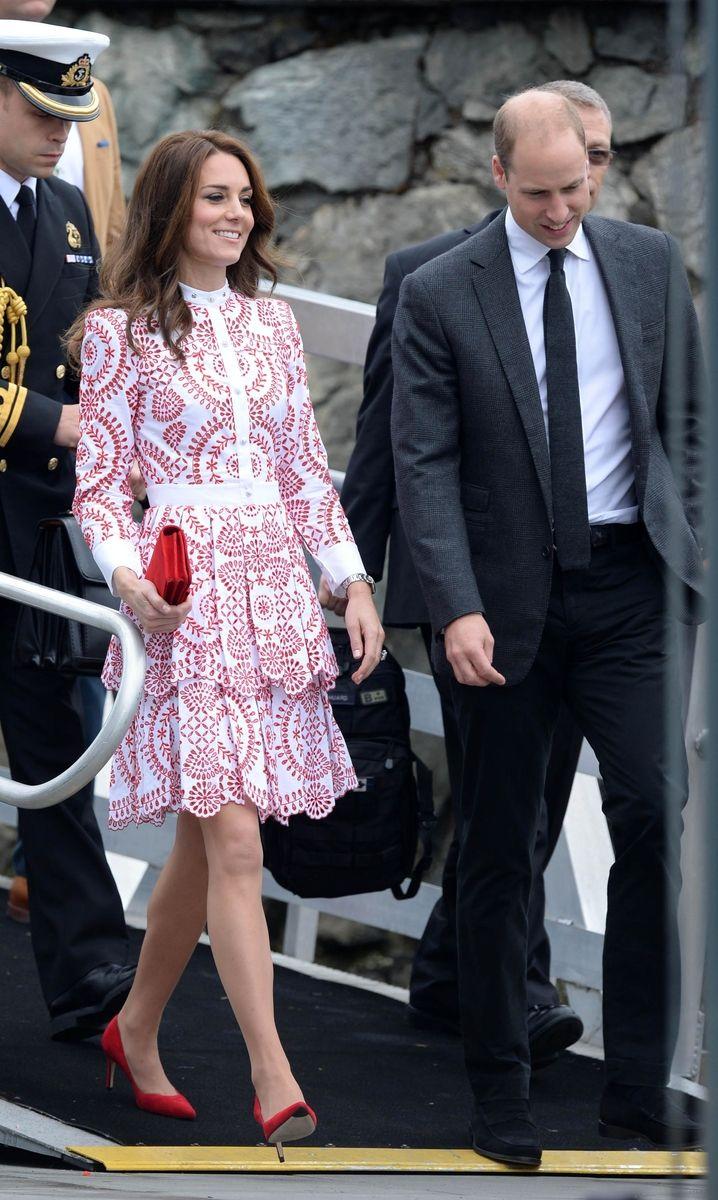 Продолжается визит членов королевской семьи в Канаду.