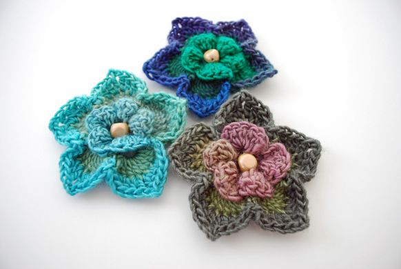 Crochet Iris Flower Pattern : 1000+ images about Crochet Flowers, Bookmarks & Keychains ...