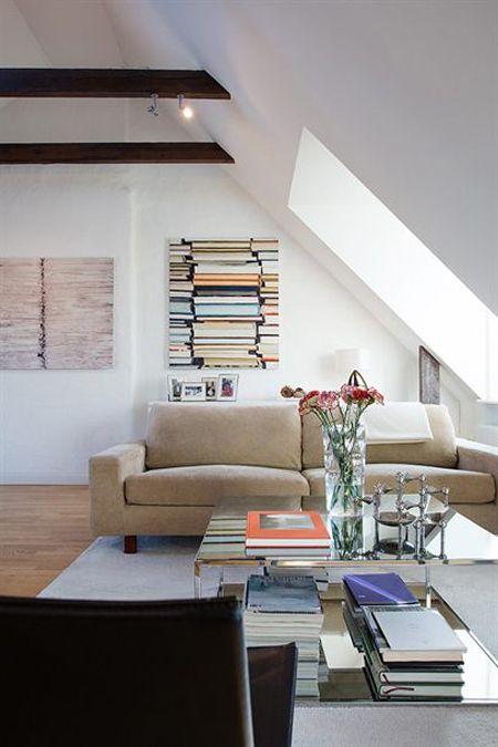 vigas en el techo aticos vigas de madera salones con chimenea decoracin inclinados con ventanas empotradas