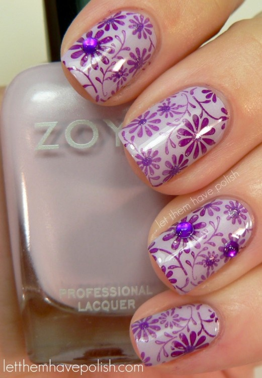 Flowers with Sparkles Nails