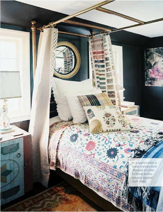 Definitely need a brass bed now! decorology: Tour an amazing Georgian Revival home...