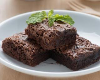 Brownie au chocolat des États-Unis sans gras : http://www.fourchette-et-bikini.fr/recettes/recettes-minceur/brownie-au-chocolat-des-etats-unis-sans-gras.html