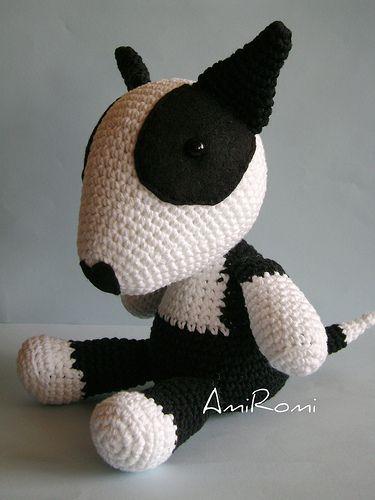 Bull terrier Blanco y Negro   Flickr - Photo Sharing!