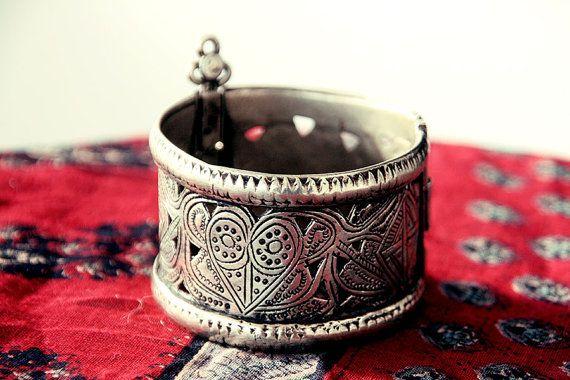 Antique bracelet vintage cuff bracelet cuff old by CarmelaRosa