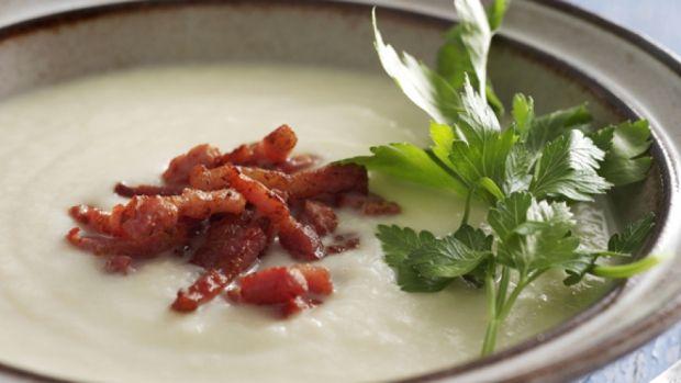 Blomkålssuppe med bacon | Lækker opskrift på blomkålssuppe med bacon