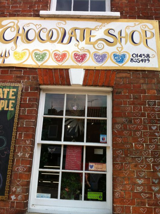 chocolate-love-temple-shop-sign