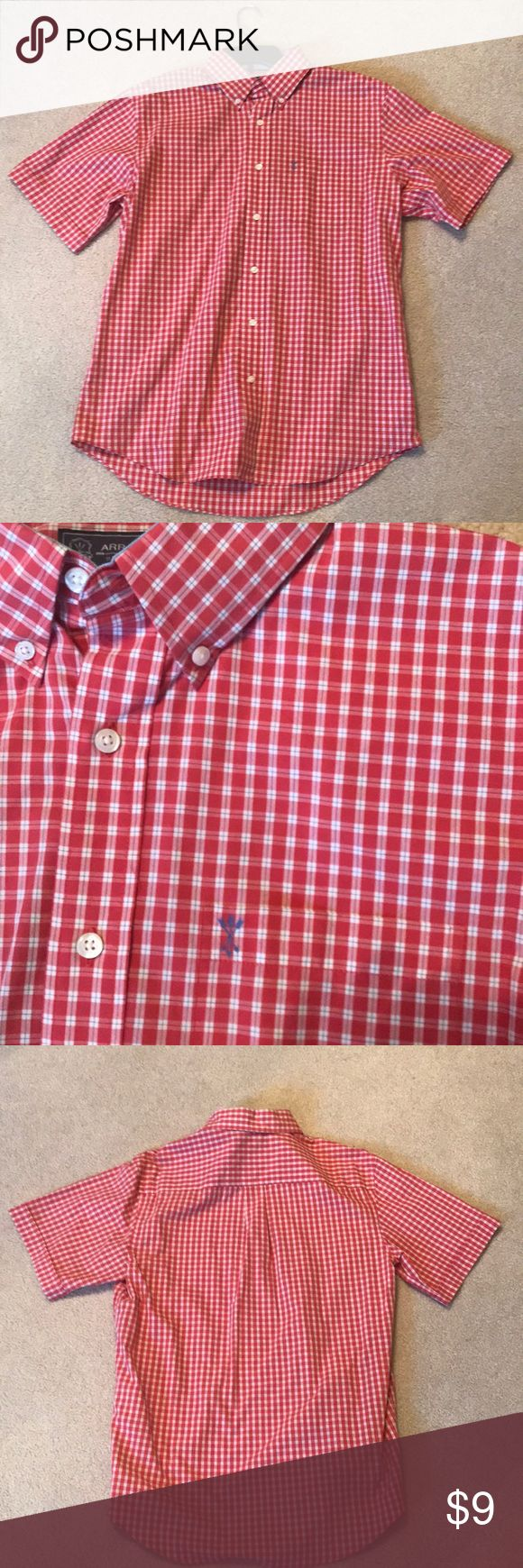 Arrow shirt Perfect condition. Washes well. Great  muted red color. Arrow Shirts Casual Button Down Shirts