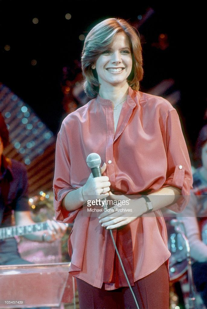 Singer Debby Boone rehearses her televised concert at KHJ Studios on December 17, 1977 in Los Angeles, California.