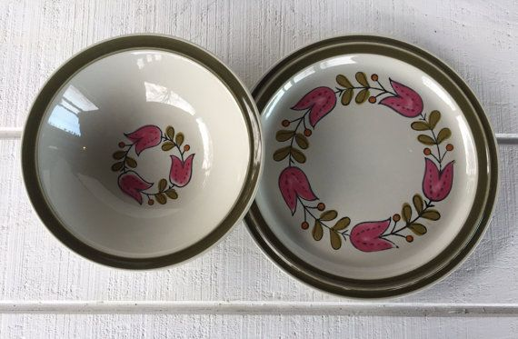 1960u0027s dinnerware -Vintage Stoneware Platter and Vegetable Bowl Vintage Acsons Stoneware Hollandia Dishes Japan pink Tulip green stenciled & 19 best retro stoneware dishes images on Pinterest | Ceramica ...
