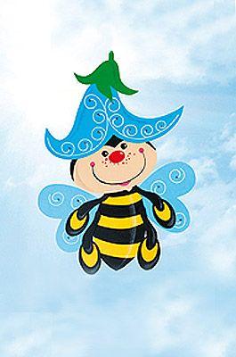Fensterbilder basteln: Das kleine Bienchen genießt seinen Honig. Mit unserer Vorlage können Sie das honig-süße Fensterbild einfach nachbasteln - mit gratis Vorlage. © Christophorus Verlag