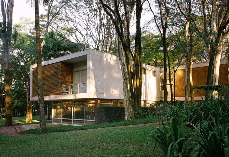 Clássicos da Arquitetura: Residência Oscar Americano / Oswaldo Bratke | ArchDaily Brasil