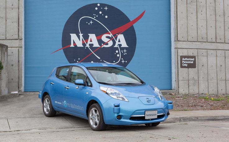 """With the arrival of electric cars like the Chevy Bolt and the upcoming Tesla Model 3, the Nissan Leaf hasn't received the attention that it did when it first went on sale at the end of 2010. Nissan is getting ready to bring the spotlight back on the Leaf with an all-new model set to launch in the """"near future."""" While we've heard reports about a much longer driving range, Nissan's CEO has also confirmed that the next Leaf will be able to drive autonomously on the highway."""