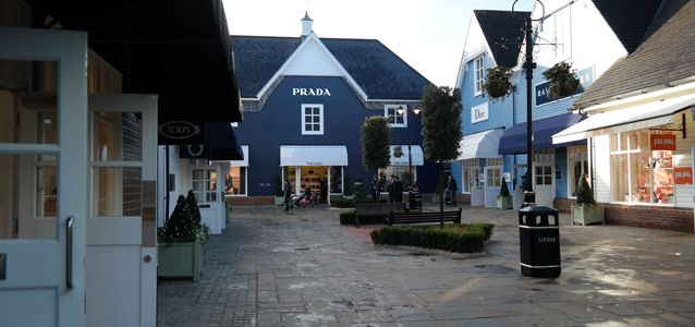 #Shopping a #Londra: Bicester Village http://paperproject.it/lifestyle/another-sunny-day/shopping-a-londra-bicester-village/