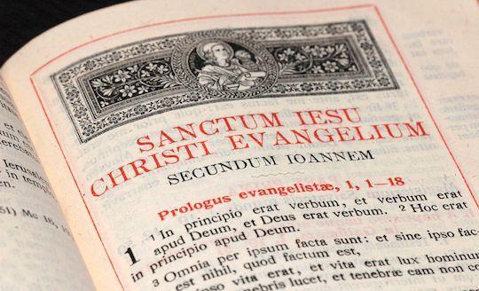 Latin Bibles: Print & Online - Compass Classroom