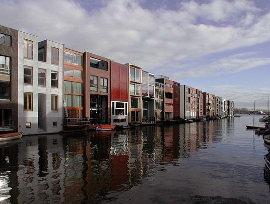 Borneo/Sporenburg / Urban Design Borneo/Sporenburg ( West 8 ) Amsterdam