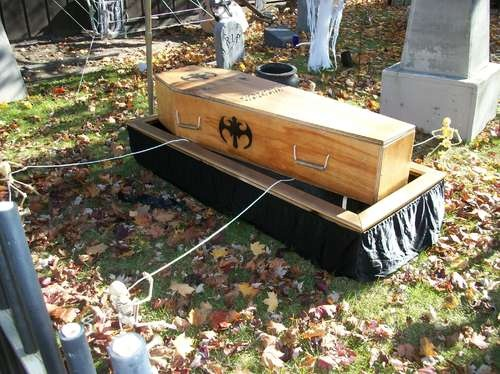 build a coffincasket lowering device stand for your halloween cemetery