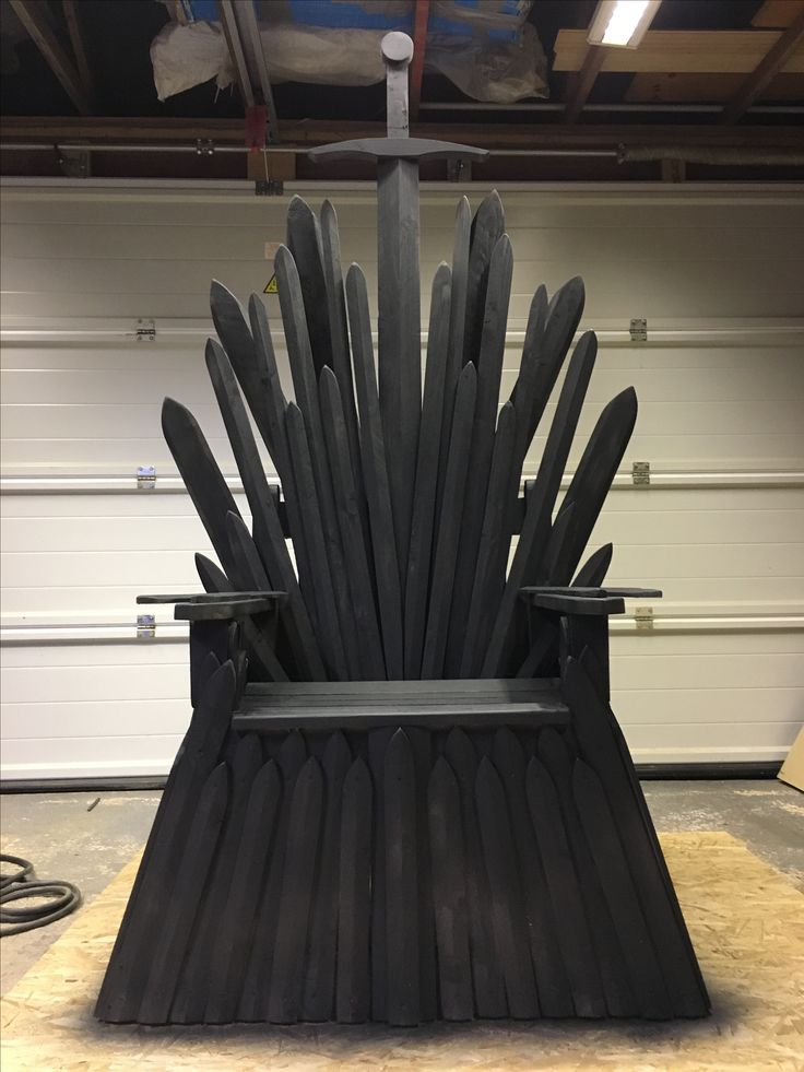 Game of Thrones inspired iron throne! Hand made in Alconbury 🙌🏼 for sale if anyone is interested?