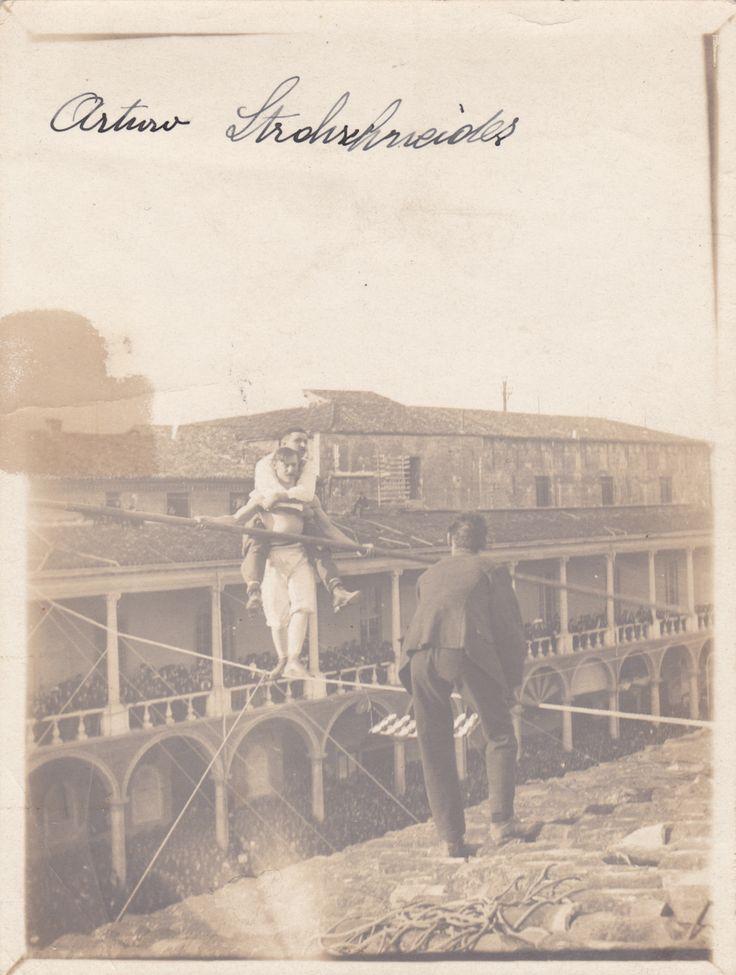 Arturo Strohschneider performing in Faenza (Italy).Original photograph, ca 1915.