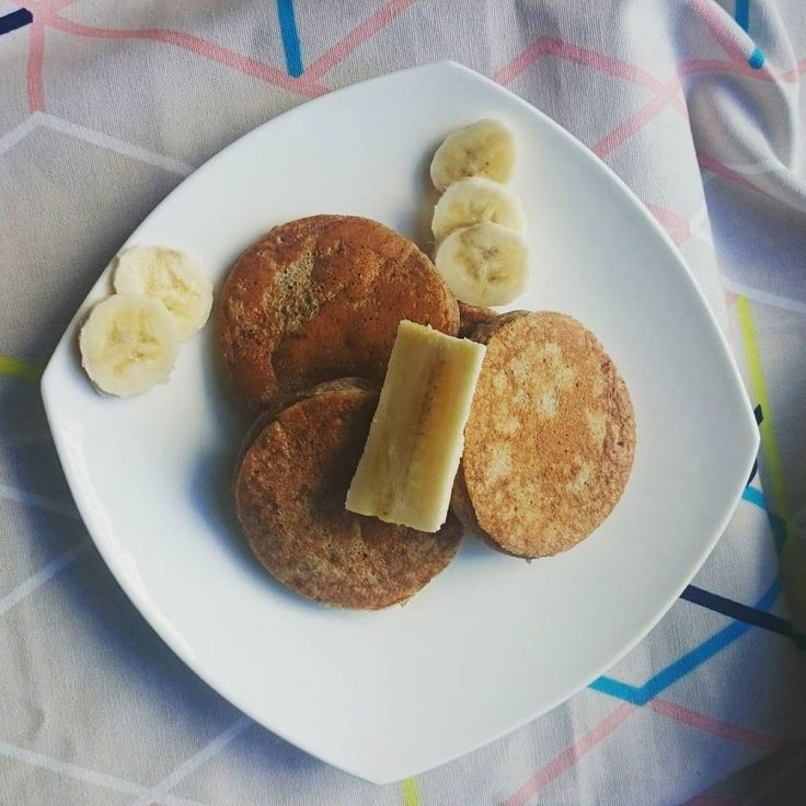 Vegan pikelets (or pancakes!), paleo, refined sugar free, gluten free. Great healthy recipe for the kids! nourishingadventures.co