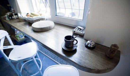 Обеденный стол для маленькой кухни