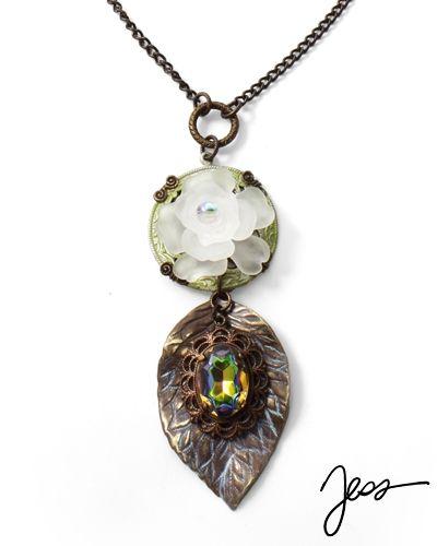Winter Jewel by Jess Italia Lincoln using beads from our Online Bead Partner @bello Modo & Vintaj!