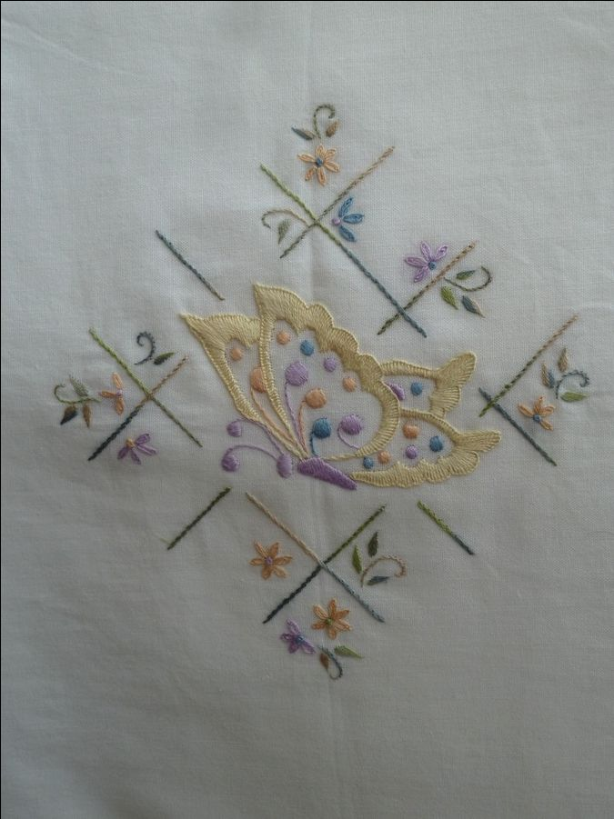 170 Best My Hand Embroidery / Mes Broderies Main Images On Pinterest | Embroidery Hand ...