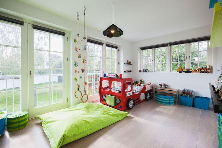 Farverigt børneværelse i et hus fra HusCompagniet #nybyggeri #bolig #basebolig #nythjem #nybyg #hjem #nythus #blivnumarts #nybyggerne #kannæstenikkevente #husejer #husbyg #hus #hhus #børneværelse