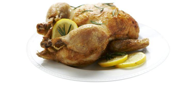 Cómo freir las mollejas y el corazón del pollo. El corazón y las mollejas del pollo puede que no sean populares para ser servidas en una cena, pero muchas personas disfrutan su ternura y sabor. Pueden ser usadas para hacer sopas o sustituir los elementos de los platos hechos con pollo. Las mollejas y el corazón del pollo pueden ser fritos ligeramente en manteca o en aceite, condimentados sólo ...